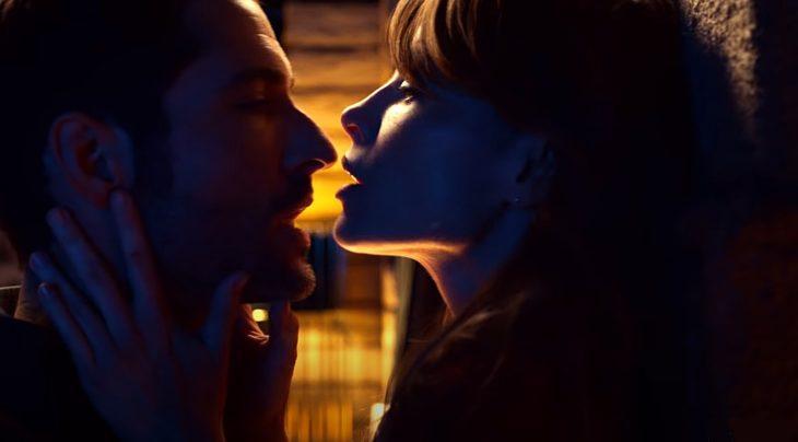 escena de la nueva temporada de lucifer con la detective chloe decker