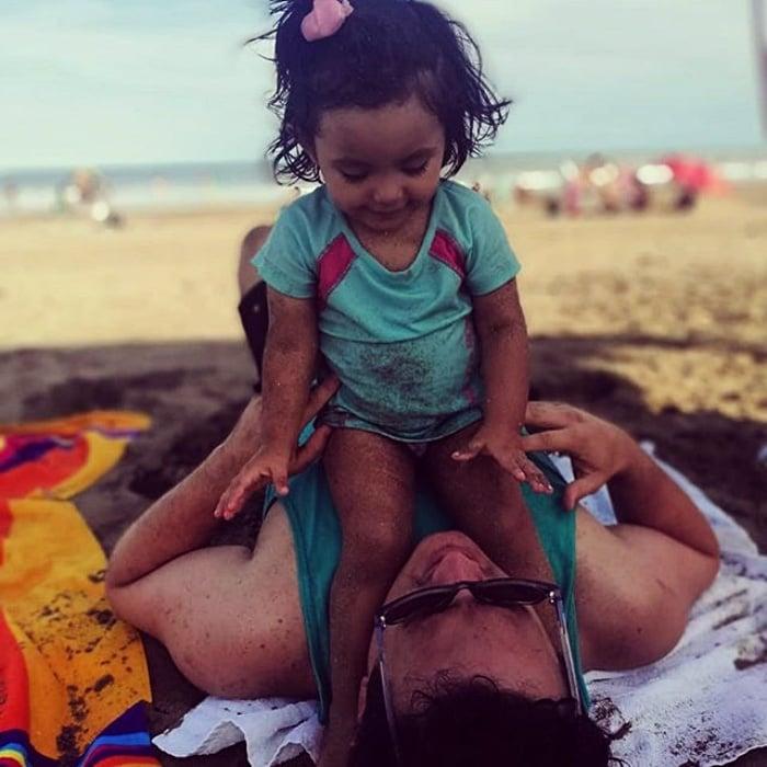 la pequeña mia, hija adoptiva de pablo fracchia