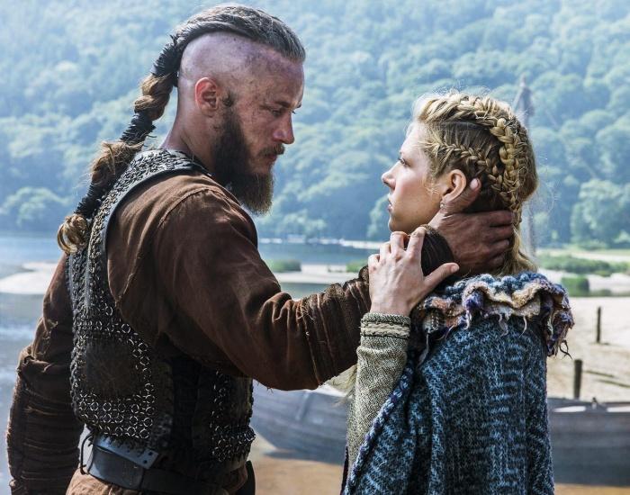 Travis Fimmel y Katheryn Winnick en la serie de history channel vikings
