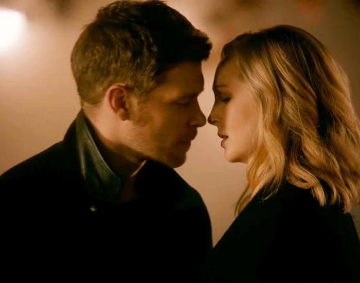 Joseph Morgan y Candice King en la serie de the originals