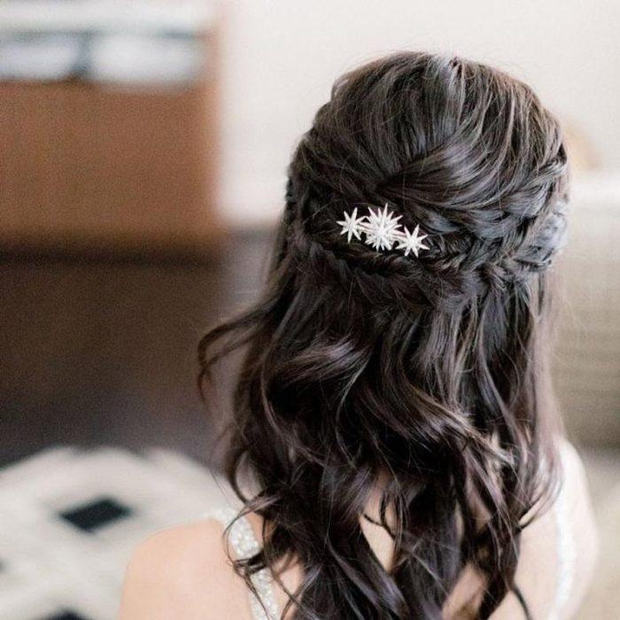 Broche plateado en forma de estrella para el cabello