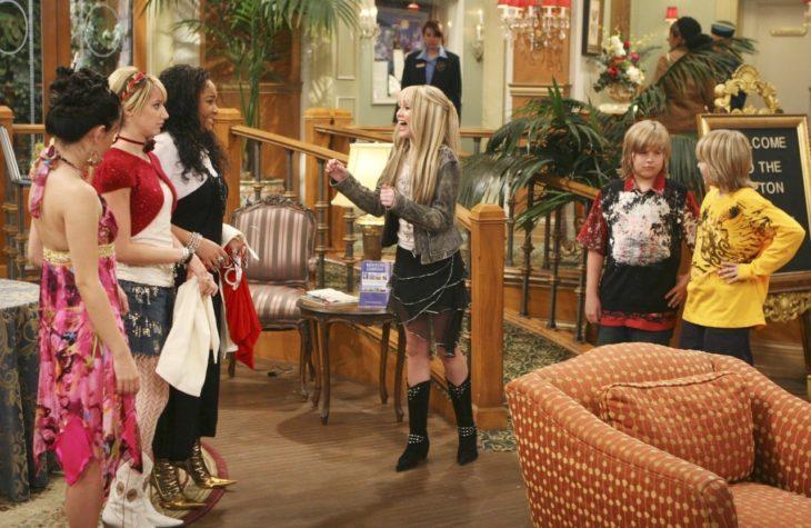 Crossover de las series Es tan Raven, Hannah Montana y Zack y Cody: Gemelos a bordo