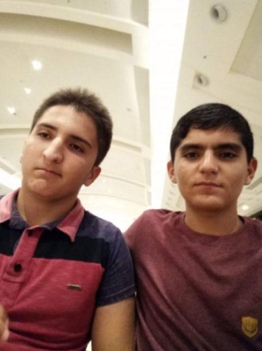 Jailsom y Francisco tomándose una foto