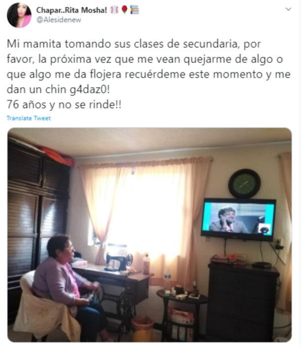 Abuelitos aprovechan las clases en línea y televisión de la SEP para estudiar