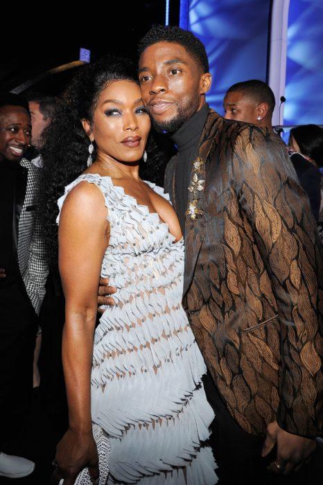 Chadwick Boseman y Angela Bassett