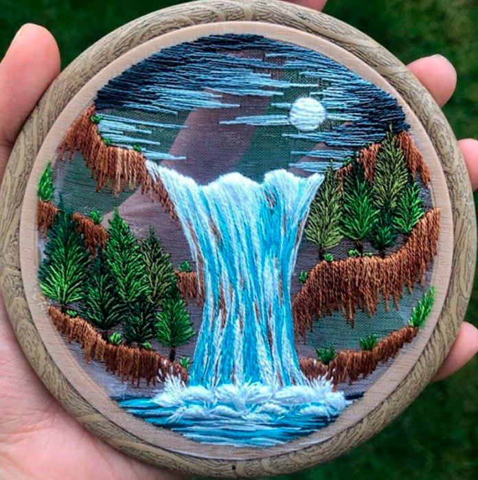 Bordado en aro hecho a mano de una cascada