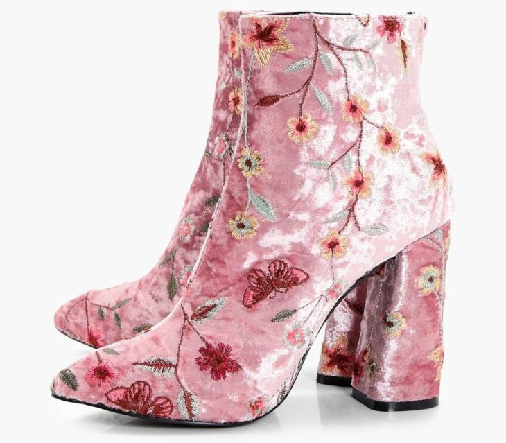 Ankle boots with embroidered details, pink with suede and flowers