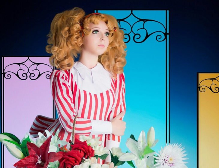 Cosplay, disfraz de Candy White Andrew; vestido a rayas blanco y rojo