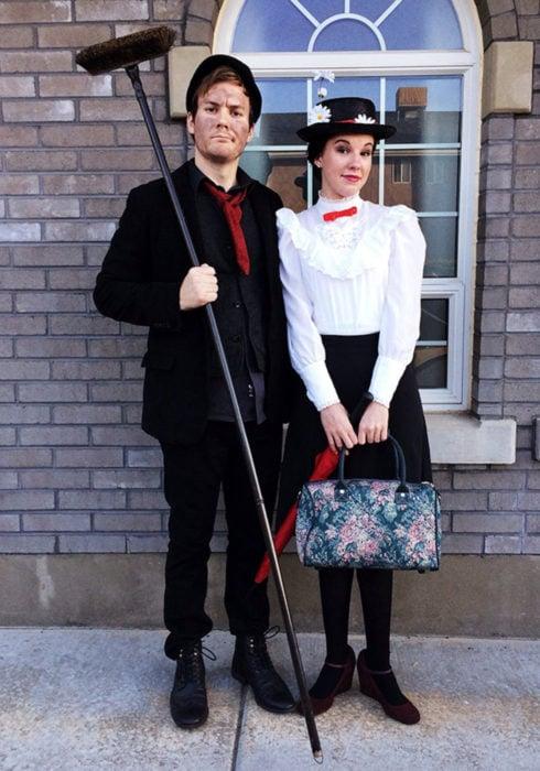 Disfraces de pareja de películas y caricaturas; Mary Poppins, Bert