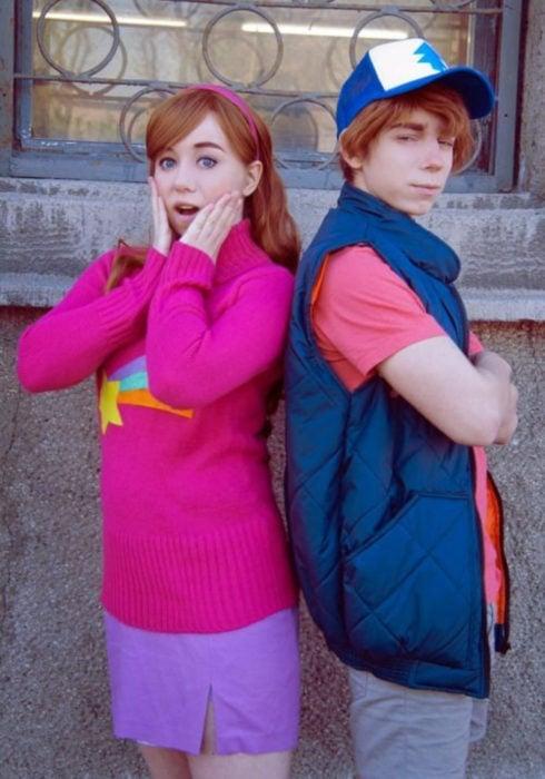 Disfraces de pareja de películas y caricaturas; Gravity Falls, Mabel Pines y Dipper