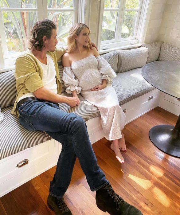 Emma Roberts y  Garrett Hedlund