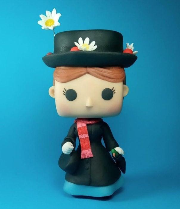 Artista escultor Luki Art crea pequeñas figuras de personajes de caricaturas y películas; Mary Poppins