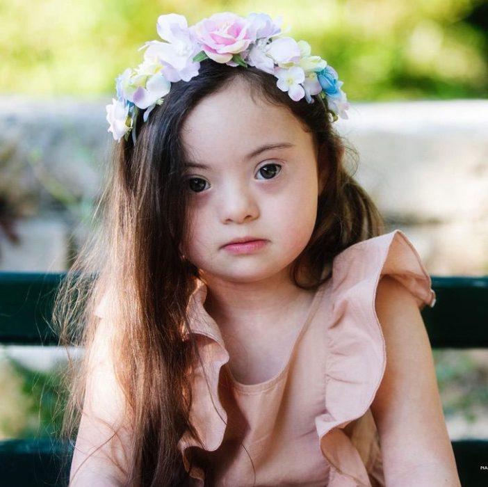 Francesca Rausi niña modelo con síndrome de down