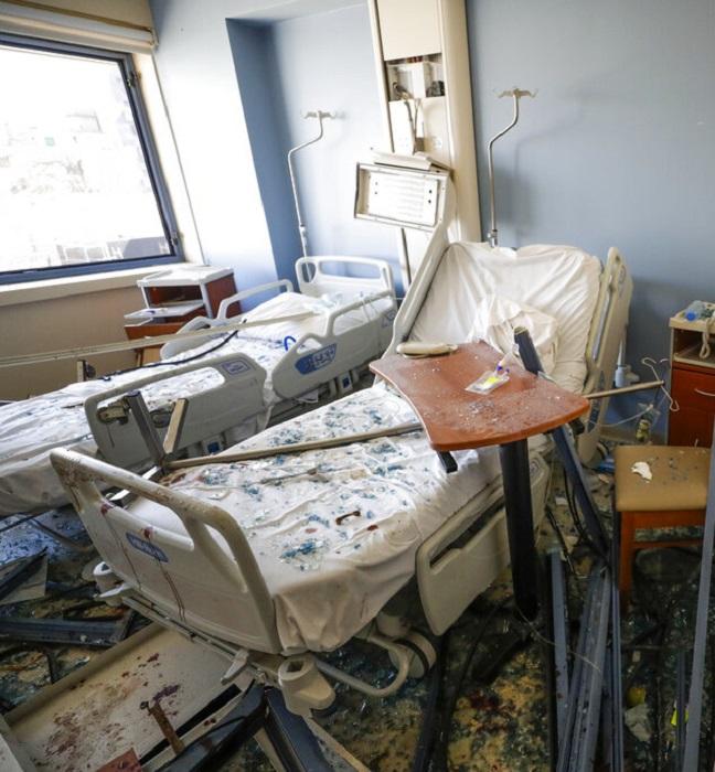 Habitación de hospital después de la explosión que sucedió en Beirut, Libano