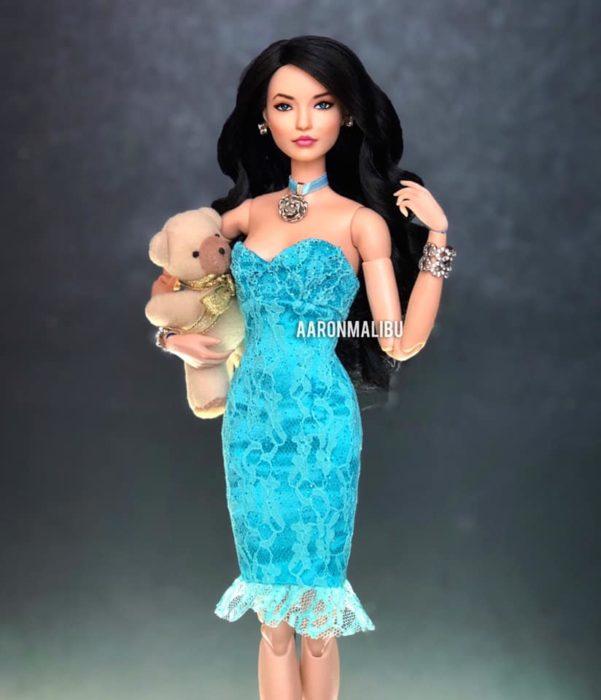 Muñeca barbie de el artista Aaron Malibu, Teresa
