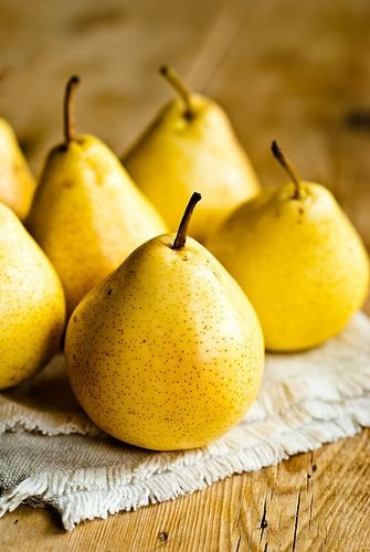 Yellow pears for facial mask