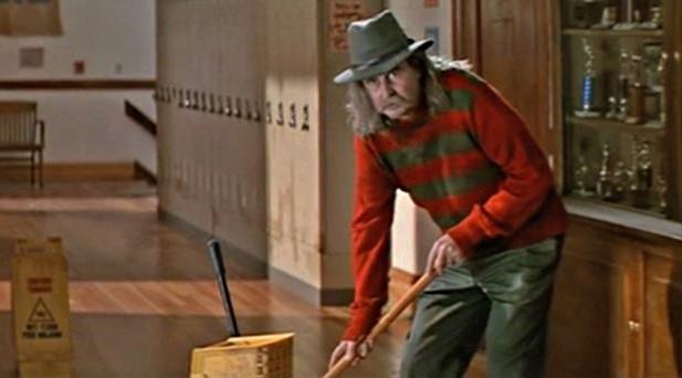 Director de la película Scream en un cameo en la película que estaba filmando