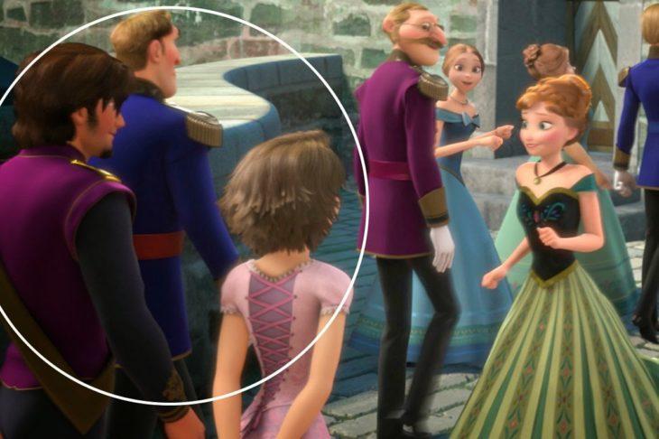 Personaje de Rapunzel y Flynn en un cameo de la película Frozen