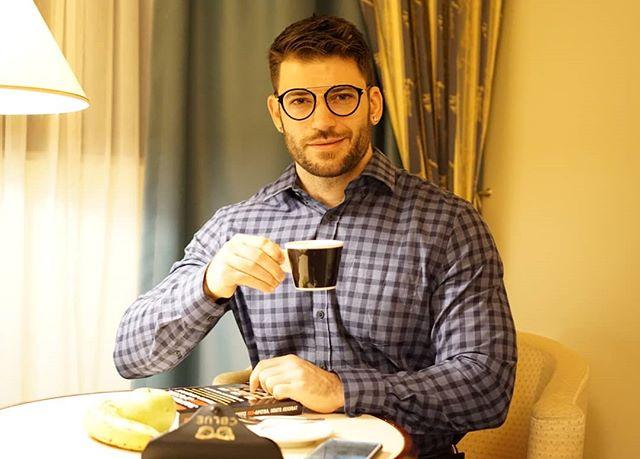 Stanislav Yanevski, Viktor Krum en Harry Potter, bebiendo café