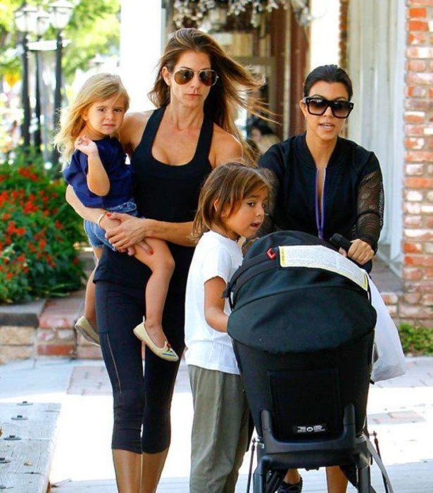 Kourtney Kardashian y su niñera