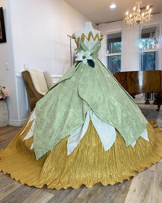 Vestido creado por Nephi García, inspirado en la princesa Disney Tiana