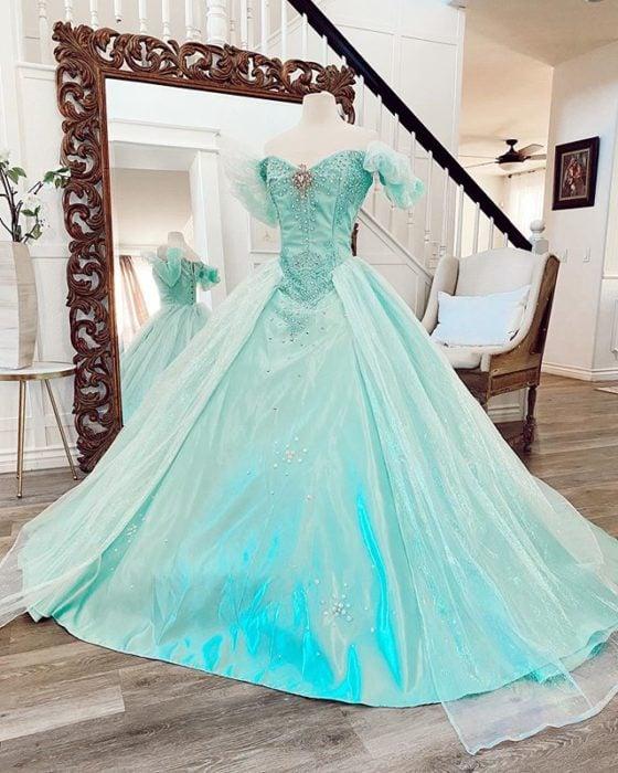 Vestido creado por Nephi García, inspirado en la princesa Disney, Ariel