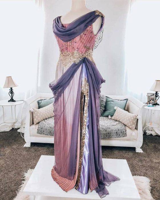 Vestido creado por Nephi García, inspirado en la princesa Disney Megara