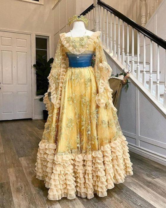Vestido creado por Nephi García, inspirado en la princesa Disney Anastasia