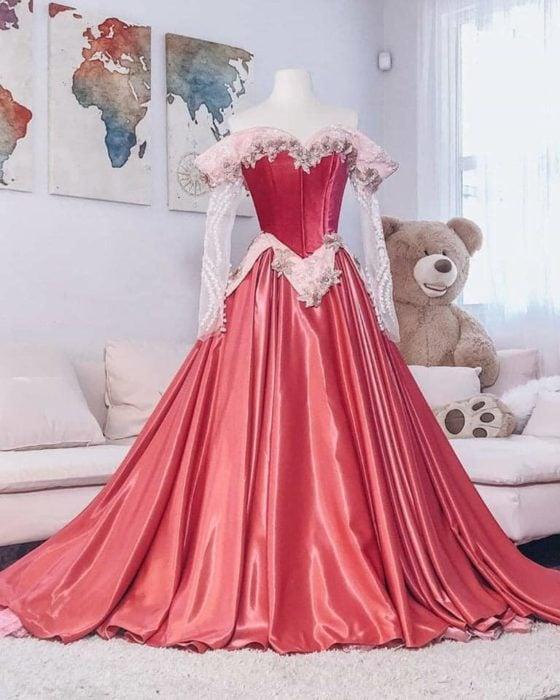 Vestido creado por Nephi García, inspirado en la princesa Disney, Aurora