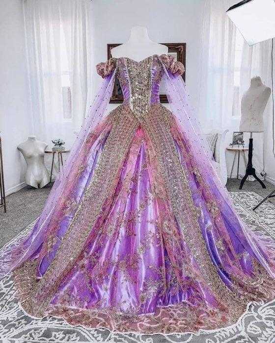 Vestido creado por Nephi García, inspirado en la princesa Disney Rapunzel