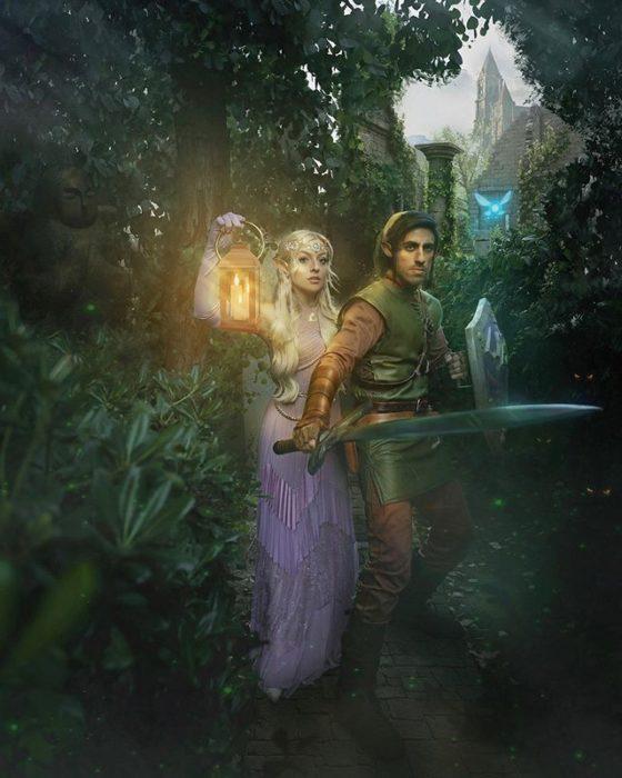 Pareja recreando escena del videojuego Zelda