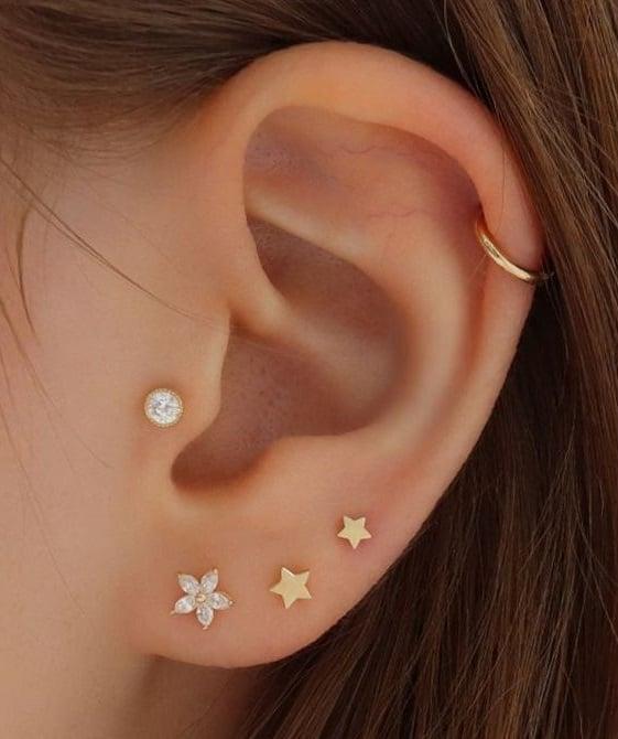 Tragus piercing de perla