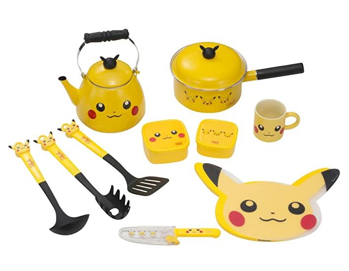 Batería de cocina con tema de pikachu