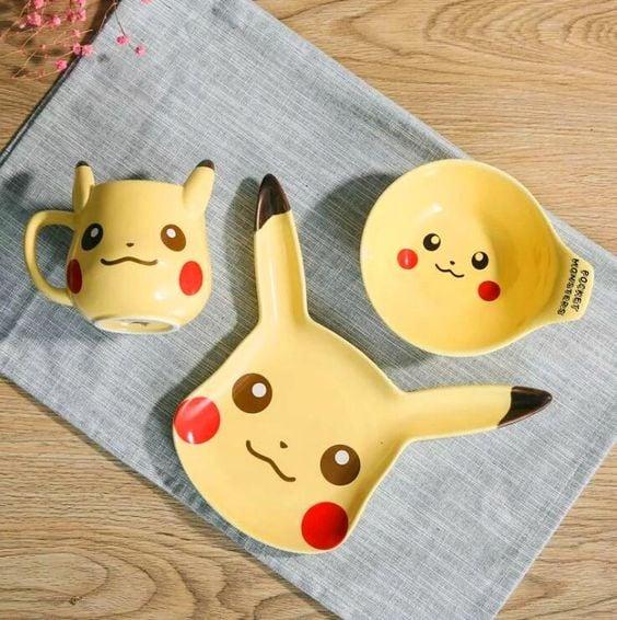 Vajilla en forma de pikachu