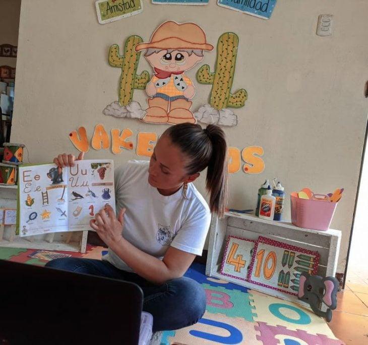 Profesores adaptan su casa para clases virtuales