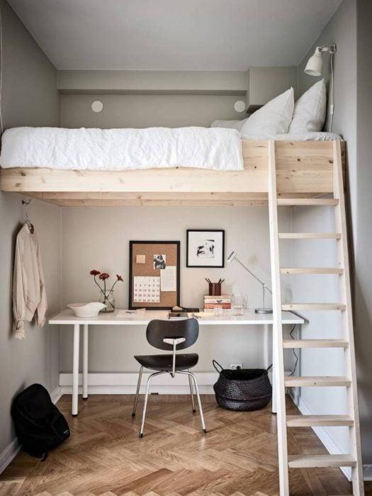 Organización de habitación pequeña con estilo de colores blanco y madera