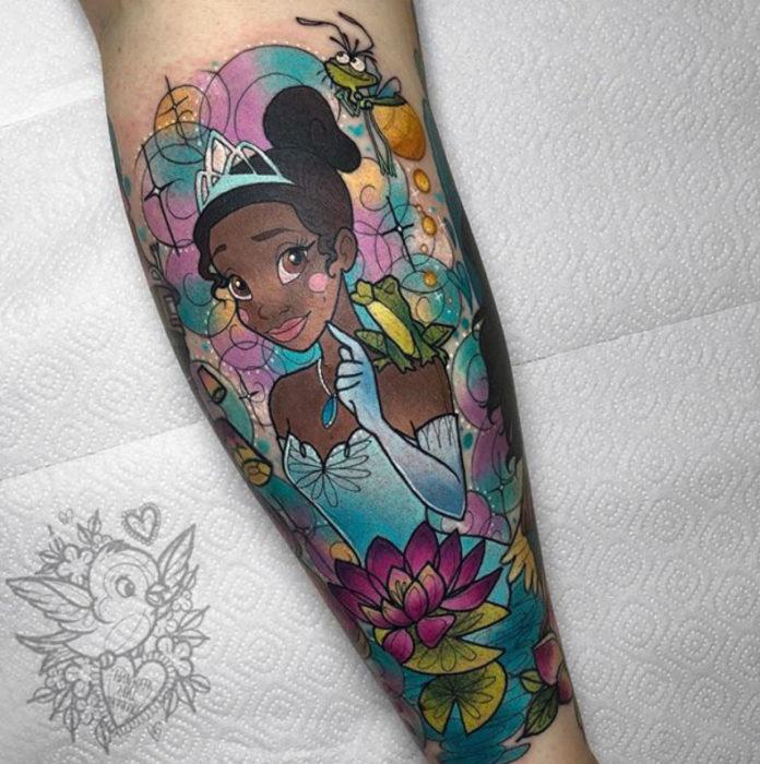 Tatuaje de Hannah Mai inspirado en Tiana