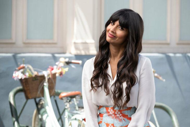 Jameela Jamil como Tahani