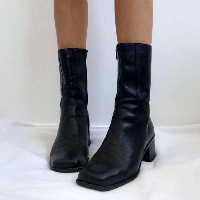 botines negros de piel con punta cuadrada