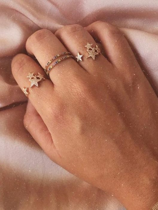 Fine rings with star and glitter details