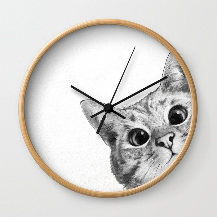 Reloj de pared con fondo de un gatito