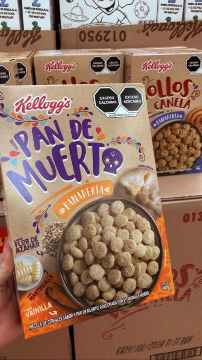 Caja de cereal de Kellogg's sabor pan de muerto