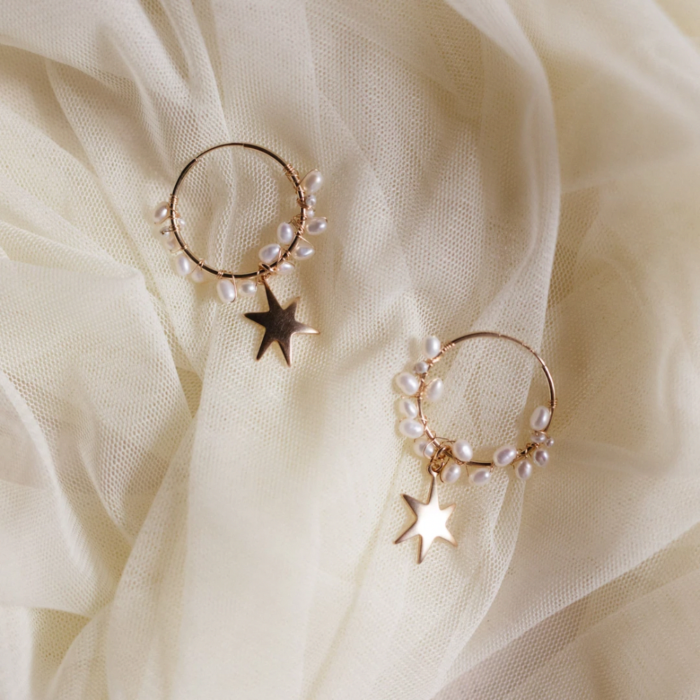 Star stud earrings with pearls