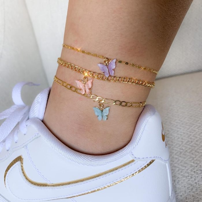 Anklets with butterfly charms; accessories with butterflies to welcome autumn