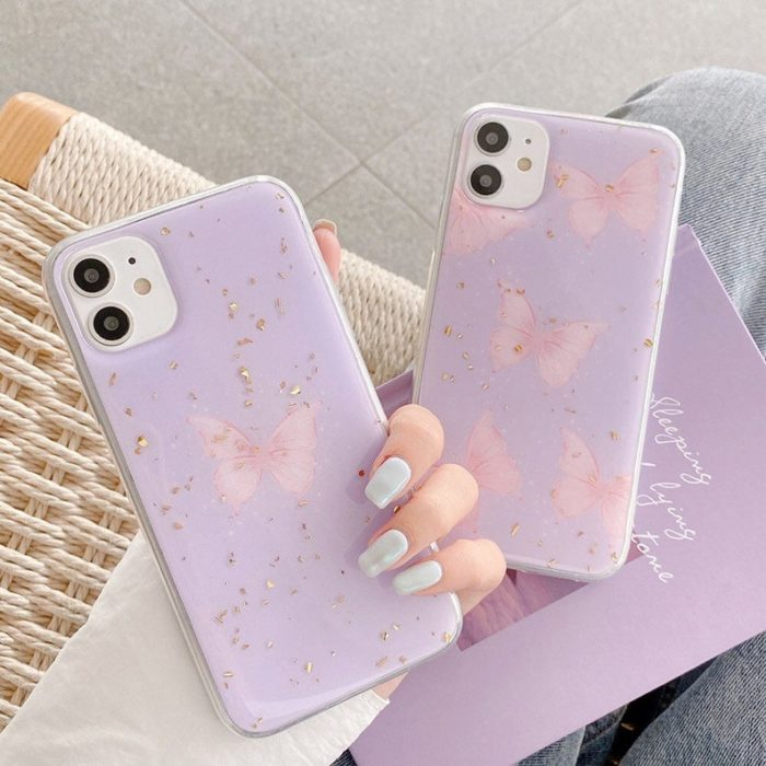 Case in lilac color with butterflies; accessories with butterflies to welcome autumn