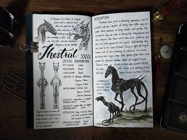 Ilustración del artista hazelnut_lz, inspirada en loas criaturas mágicas de Harry Potter, Thestral