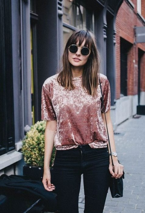Pale pink velvet blouse with short sleeves and round neck