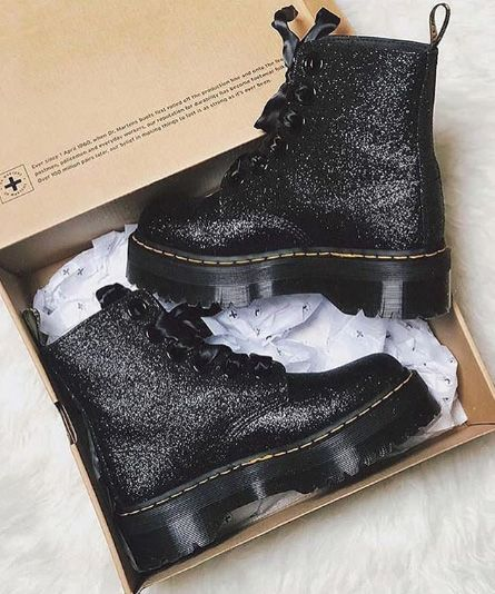 Dr. Martens boots in black with glitters