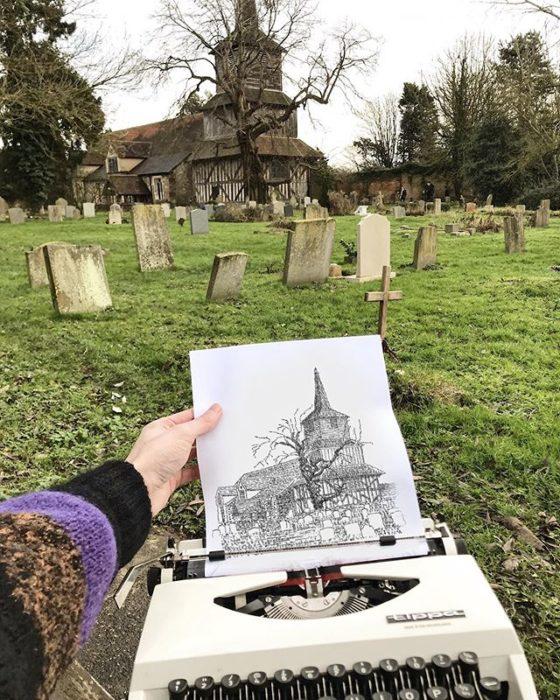 Dibujo de James Cook hecho en una máquina de escribir de una capilla en el cementerio