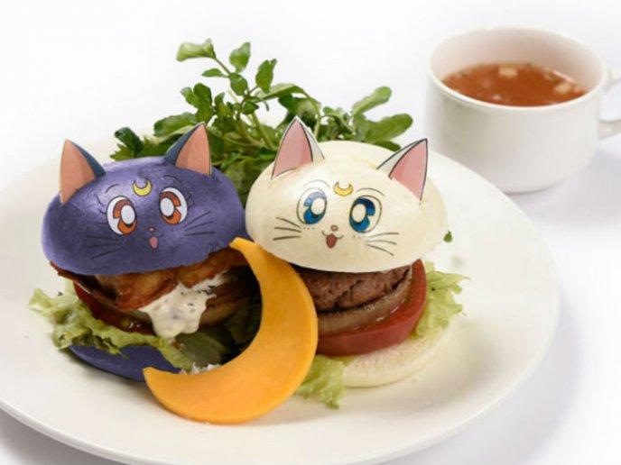 Hamburguesas inspiradas en Luna y Artemis de Sailor Moon